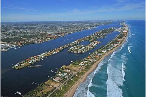 Hypoluxo Intracoastal Waterway FLPalmBeach Martin Group Palm Beaches Real Estate 600x400 Image